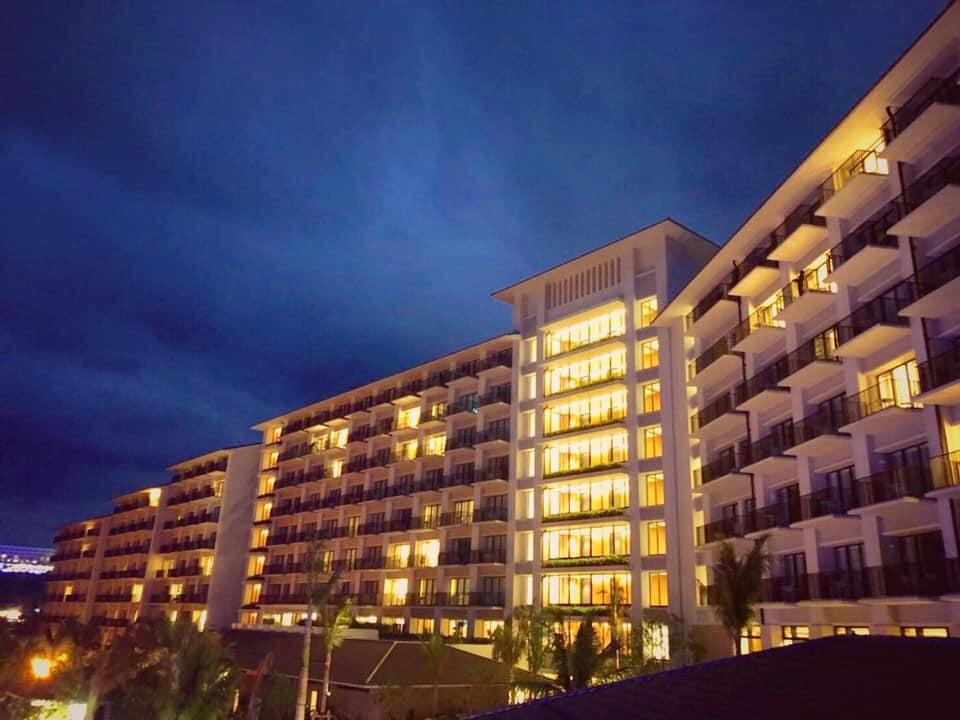 沖縄のホテル ハレクラニの外観