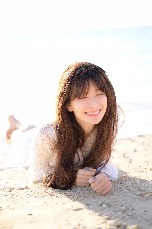 美々ビーチいとまんにて、沖縄ポートレート撮影ツアーのモデル大城優紀